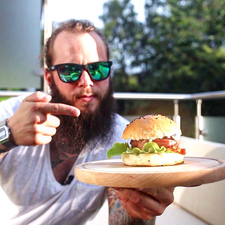 die burger bombe bacon bomb burger burgervariationen. Black Bedroom Furniture Sets. Home Design Ideas